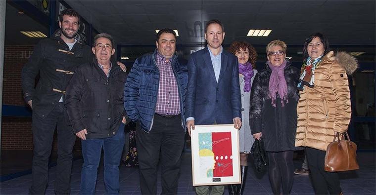 <h2 class='tahoma bold texto20 c_c0202e'><a href='http://www.frdcaza.org/noticia/178/Gala-Deporte-Riojano' class='c_c0202e'> Gala del Deporte Riojano</a></h2><p class='tahoma c_454545 texto12 margin0'>Desde la Federación Riojana de Caza, queremos felicitar en especial al mejor que tenemos en nuestra federación, Diego Martínez Eguizabal, homenajeado y reconocido en la gala del deporte de 2017</p><a href='http://www.frdcaza.org/noticia/178/Gala-Deporte-Riojano' class='tahoma c_454545 texto12'>Seguir leyendo></a>
