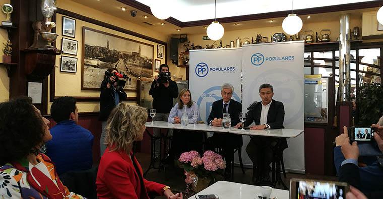 <h2 class='tahoma bold texto20 c_c0202e'><a href='http://www.frdcaza.org/noticia/273/Adolfo-Suarez-Illiana' class='c_c0202e'>Adolfo Suárez Illiana</a></h2><p class='tahoma c_454545 texto12 margin0'>El viernes día 29 de marzo el Partido Popular de La Rioja nos brindo la oportunidad de poder exponer al candidato nacional al Congreso de los Diputados Adolfo Suarez Illiana las inquietudes de los cazadores.</p><a href='http://www.frdcaza.org/noticia/273/Adolfo-Suarez-Illiana' class='tahoma c_454545 texto12'>Seguir leyendo></a>