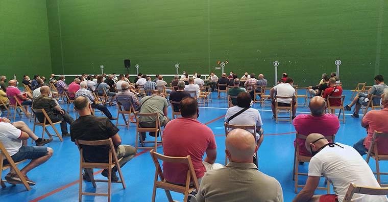 <h2 class='tahoma bold texto20 c_c0202e'><a href='https://www.frdcaza.org/noticia/386/NUEVA-LEY-GESTION-CINEGETICA-LA-RIOJA' class='c_c0202e'>NUEVA LEY GESTION CINEGETICA LA RIOJA</a></h2><p class='tahoma c_454545 texto12 margin0'>Confusión, desconcierto, alboroto, no sabría definir con qué sensación se fueron los asistentes, pero les aseguro que nadie salió complaciente con los artículos de esta Ley de Gestión Cinegética.</p><a href='https://www.frdcaza.org/noticia/386/NUEVA-LEY-GESTION-CINEGETICA-LA-RIOJA' class='tahoma c_454545 texto12'>Seguir leyendo></a>