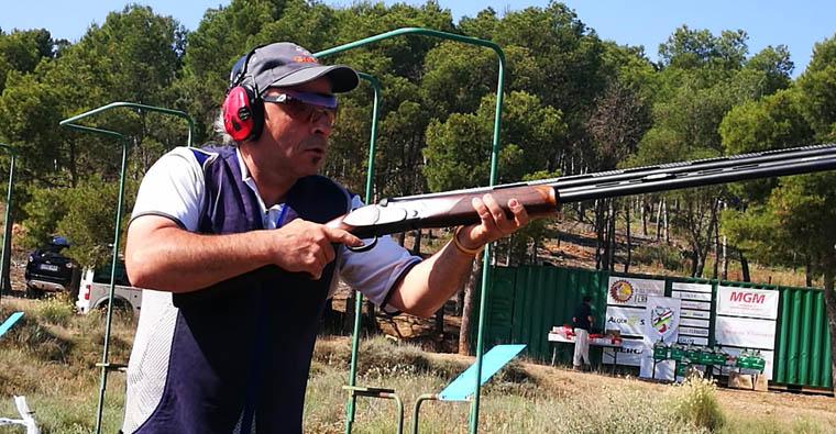 <h2 class='tahoma bold texto20 c_c0202e'><a href='https://www.frdcaza.org/noticia/493/DIEGO-MARTiNEZ-ROZA-EL-PODIO-EN-EL-CAMPEONATO-DEL-MUNDO-DE-RECA' class='c_c0202e'>DIEGO MARTÍNEZ ROZA EL PODIO EN EL CAMPEONATO DEL MUNDO DE RECA</a></h2><p class='tahoma c_454545 texto12 margin0'>Acaba cuarto en la competición celebrada en Hungría, con 188 platos tirados, tras perder el desempate con el francés Charles Bardou<br /> </p><a href='https://www.frdcaza.org/noticia/493/DIEGO-MARTiNEZ-ROZA-EL-PODIO-EN-EL-CAMPEONATO-DEL-MUNDO-DE-RECA' class='tahoma c_454545 texto12'>Seguir leyendo></a>