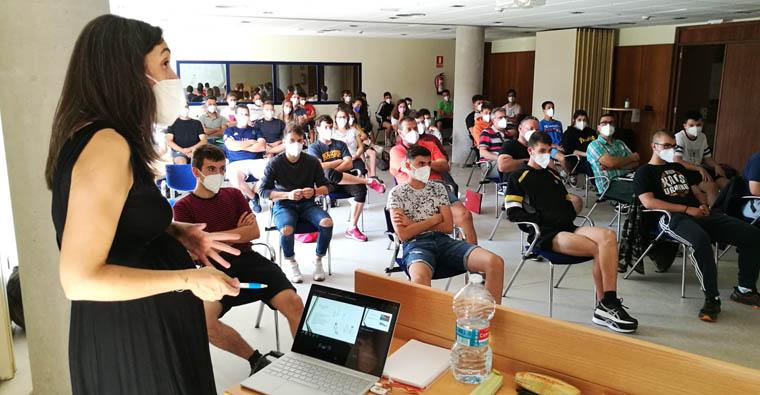 <h2 class='tahoma bold texto20 c_c0202e'><a href='https://www.frdcaza.org/noticia/498/EXAMEN-PARA-LA-OBTENCIoN-DE-LA-LICENCIA-DE-CAZA' class='c_c0202e'>EXAMEN PARA LA OBTENCIÓN DE LA LICENCIA DE CAZA</a></h2><p class='tahoma c_454545 texto12 margin0'>Riojaforum acoge mañana viernes 30 de julio, a partir de las 10.30 horas, la primera de las pruebas</p><a href='https://www.frdcaza.org/noticia/498/EXAMEN-PARA-LA-OBTENCIoN-DE-LA-LICENCIA-DE-CAZA' class='tahoma c_454545 texto12'>Seguir leyendo></a>